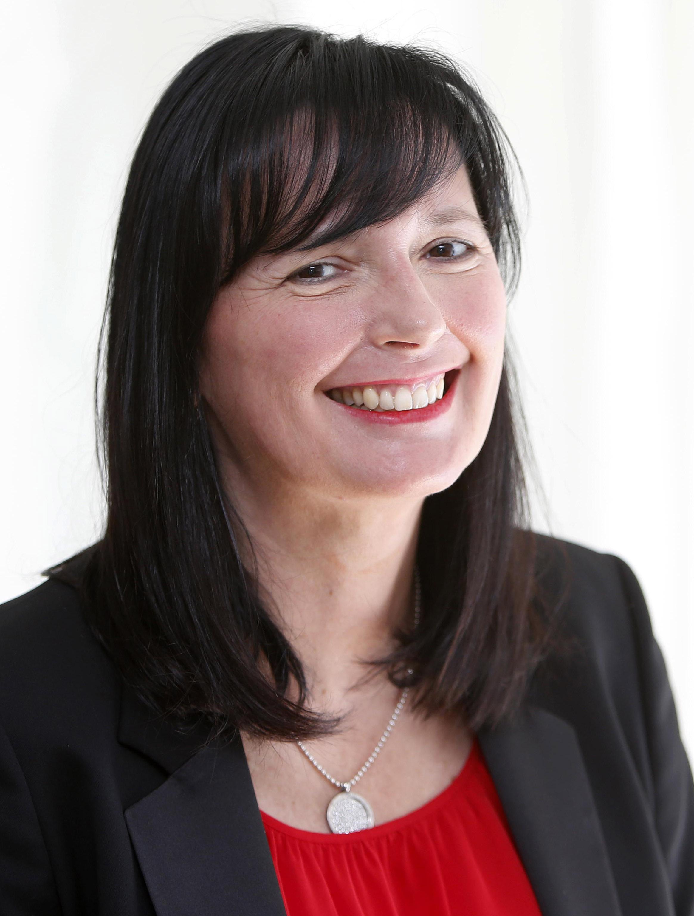 Sandra Freisinger-Heinl Headshot