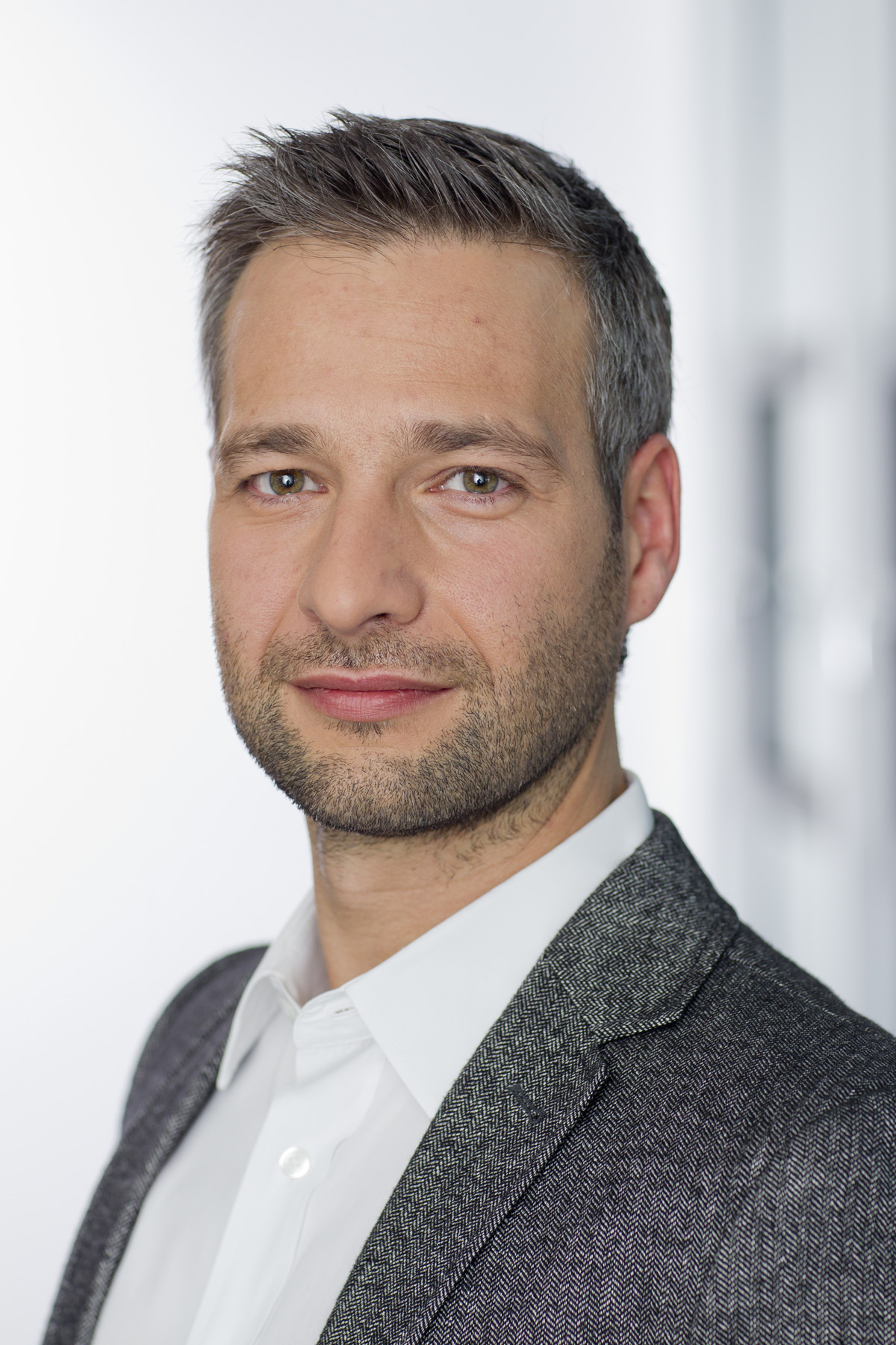 Robert Herrmann Yahoo