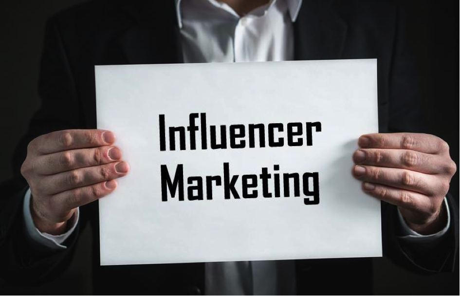 Influencer Marketing Bild FB